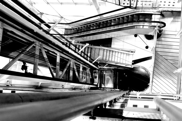 Elevator - blackandwhitephotography - borisholtz | ello