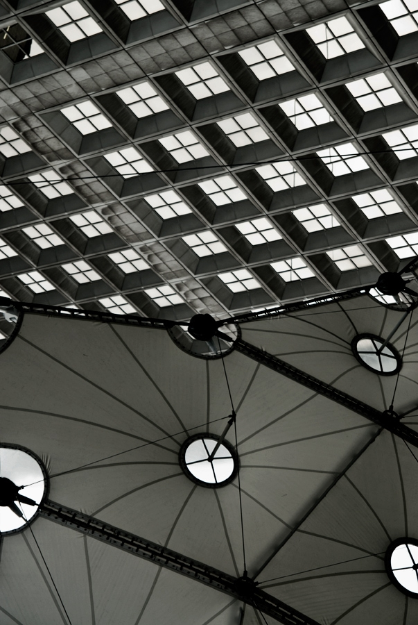 Vertigo 4 - photography, architecture - toitagl | ello