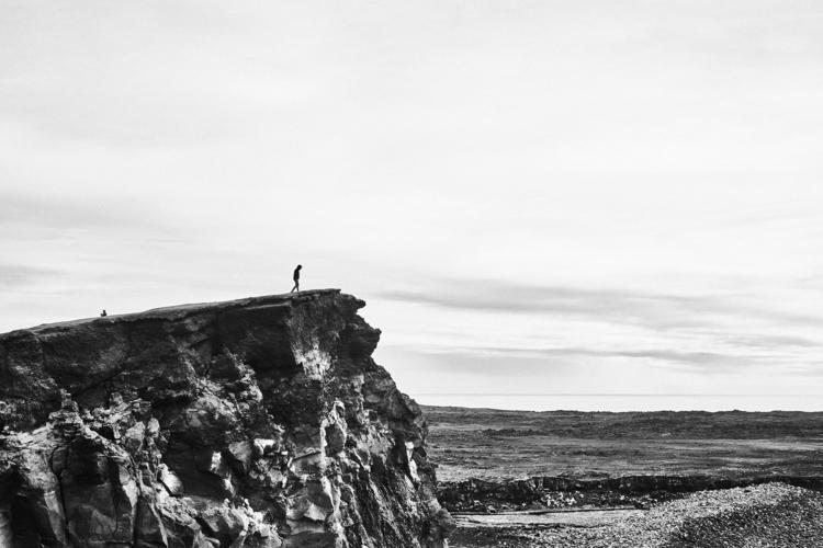 í - Iceland, ísland, coast - yannickroedel | ello