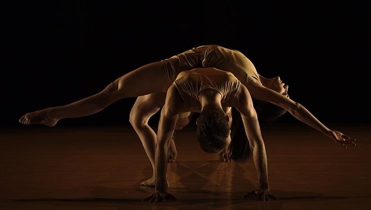 words | choreographers: SZENT-I - fisherhu | ello