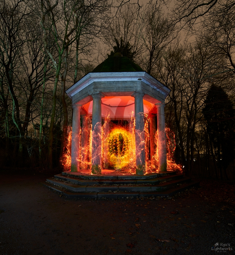 Tempel sun. Light painting art  - ryuslightworks | ello