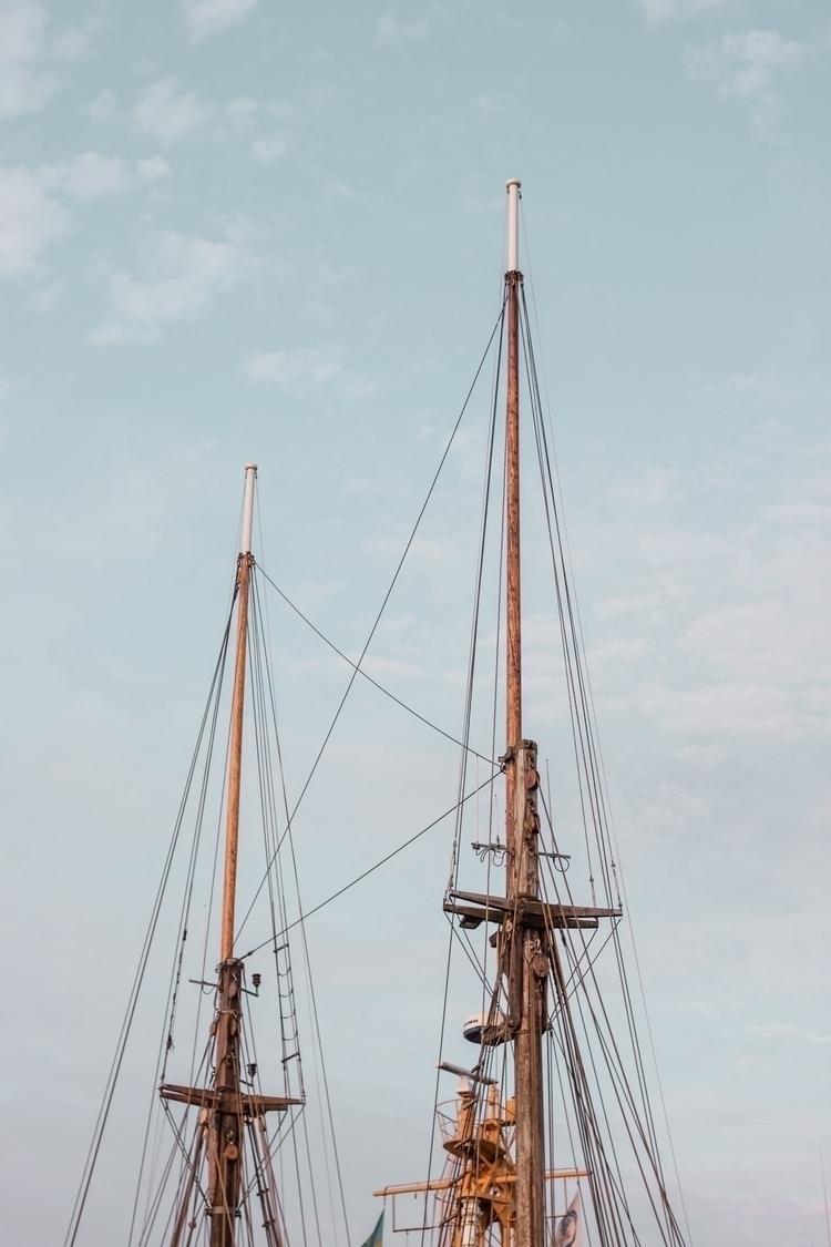 ship, 50mm, ellophotography, minimalism - linusake   ello