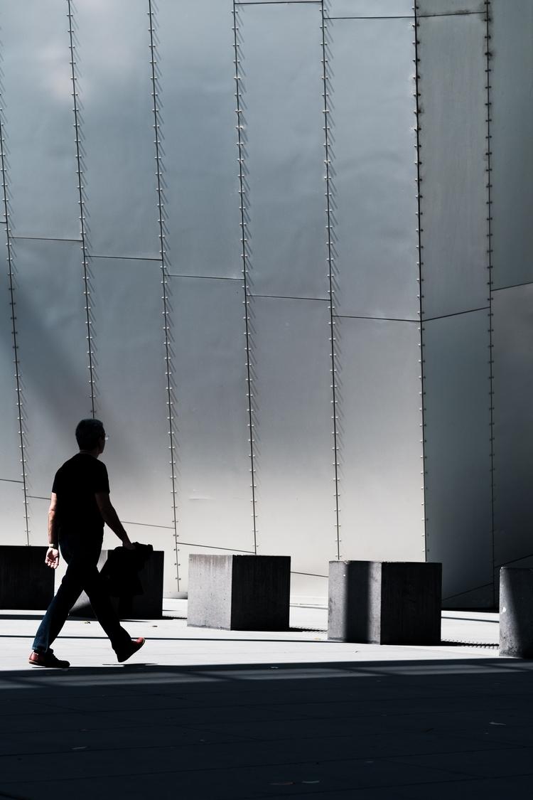 Melbourne Museum, making giant  - thethinblackframe | ello