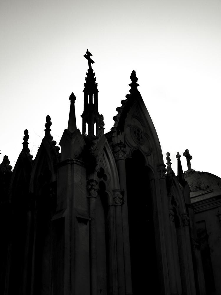 Black white serie -3 - cementery - lineaoscura | ello