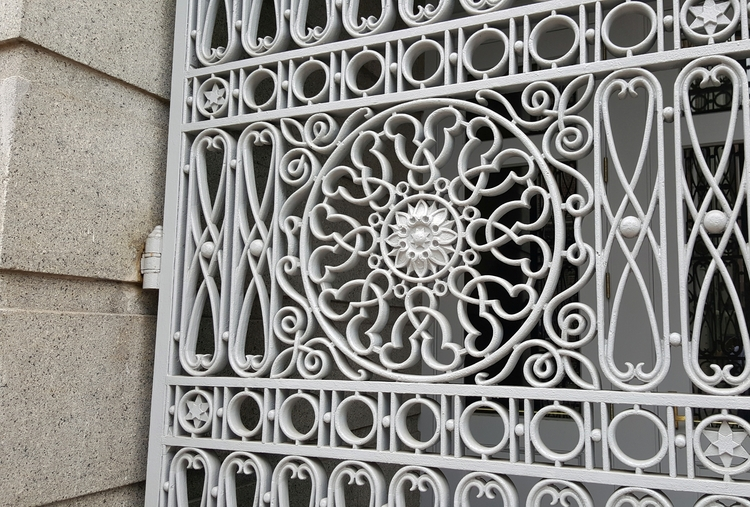 Door detail historical Custom H - koutayba   ello