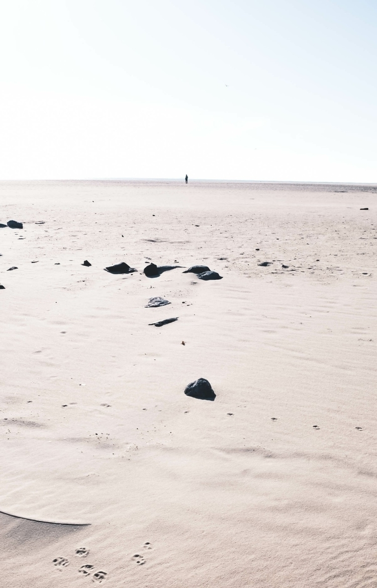 distance horizon. | - nicolausarmani | ello