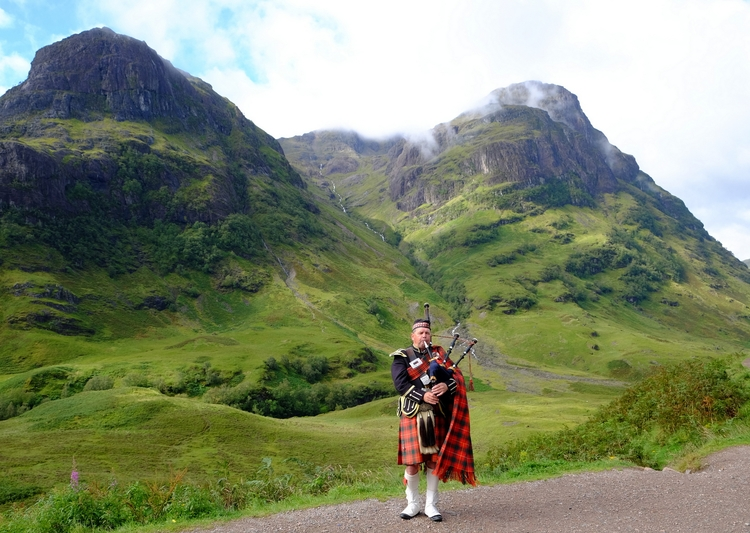 Scottish Piper Glencoe, Scotlan - jimduncan36 | ello
