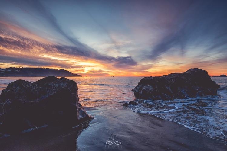 Moody Sunset Fuji XT2 / XF10-24 - thrumyeyesphoto | ello