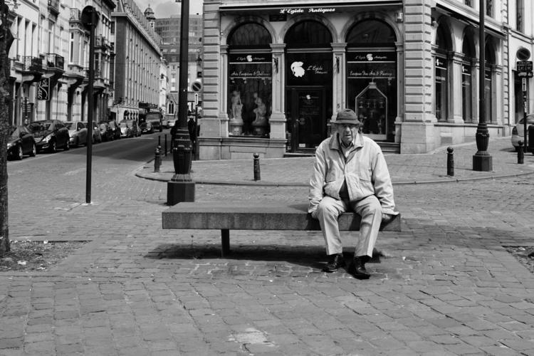Woman, Man, good place + - Fujifilm - capturerlinstant | ello
