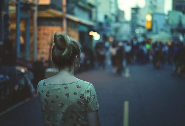 Girl walks street - street_storyteling - davewu | ello