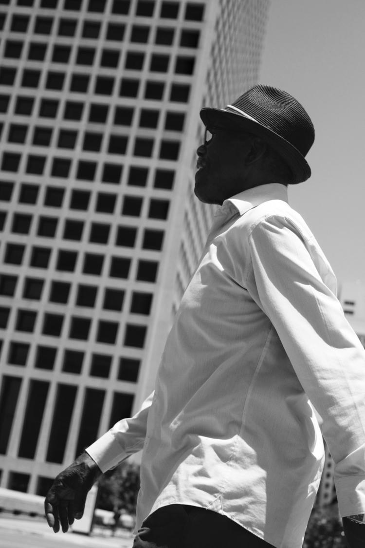 ( Dallas, Texas - walkingmanwalks - antoamendola | ello
