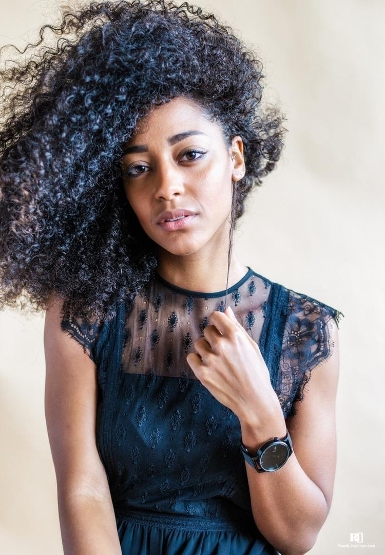 naturalbeauty, portrait, curlyhair - rawlej | ello