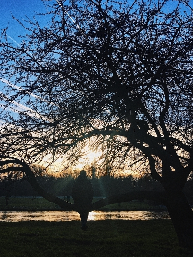 sundaytime - vikimikii | ello