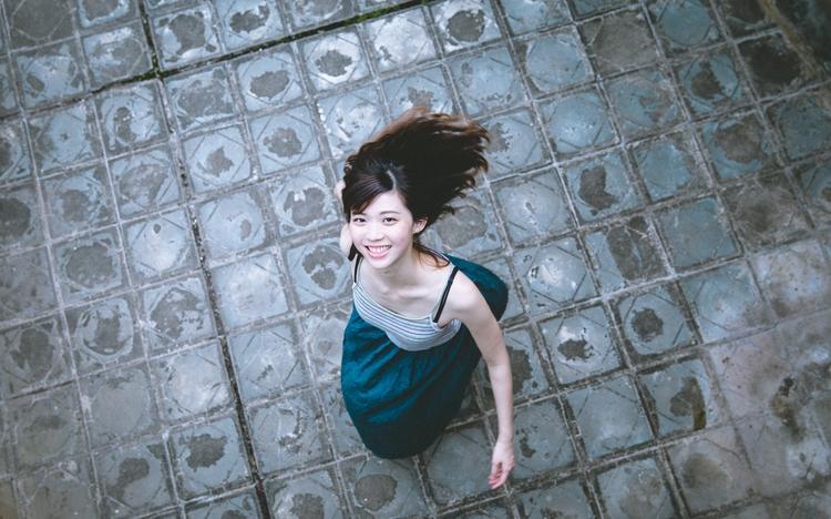 Smiling Taiwanese girl 寶藏巖 - terence223 | ello