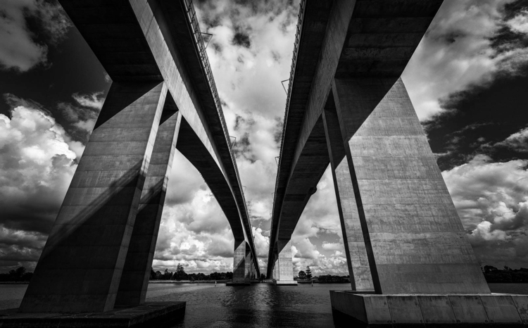 Sir Leo Hielscher Bridges (Gate - daphot | ello