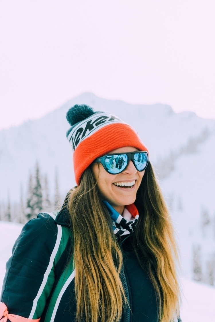 • Smile physically - Sonyalpha, portraits - explorewithmax | ello
