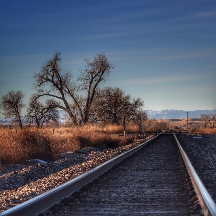 Montana rails safely - introleftedness | ello