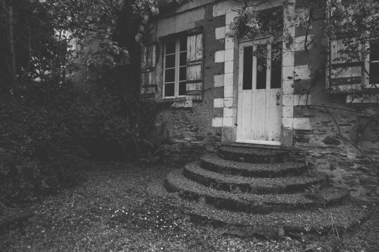 Creepy House • - 1 _2016 - skeleton - jadeedaj | ello