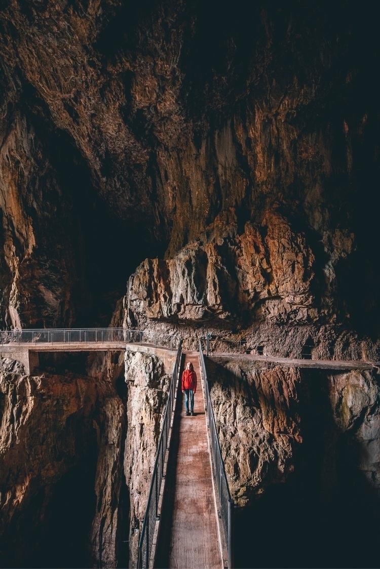 Scokjan caves, place unreal Exp - rubenvanvreckem | ello