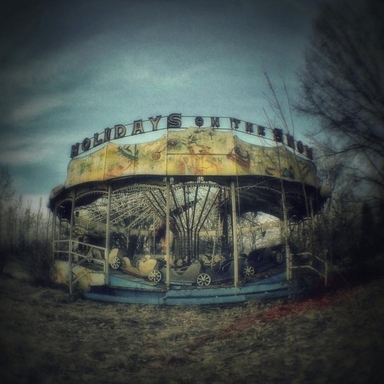 Oxy - abandoned - lubaluft | ello