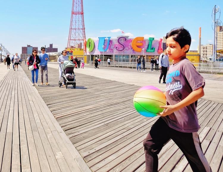 Coney Island, Brooklyn NY, Unit - kick_in   ello