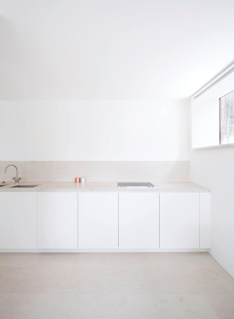 Calming straight-line kitchen.  - upinteriors | ello