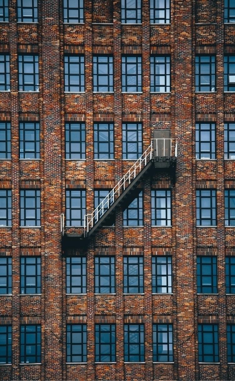 Escape - detroit, architecture, street - lowg   ello