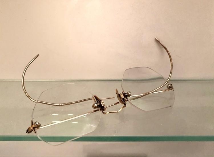 Spectacles - eraddatz | ello