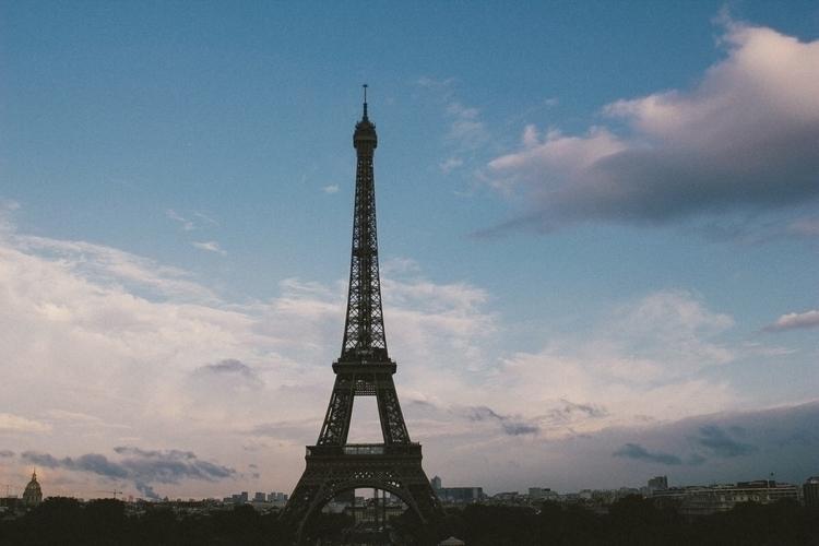 Eiffel Tower - merphi | ello