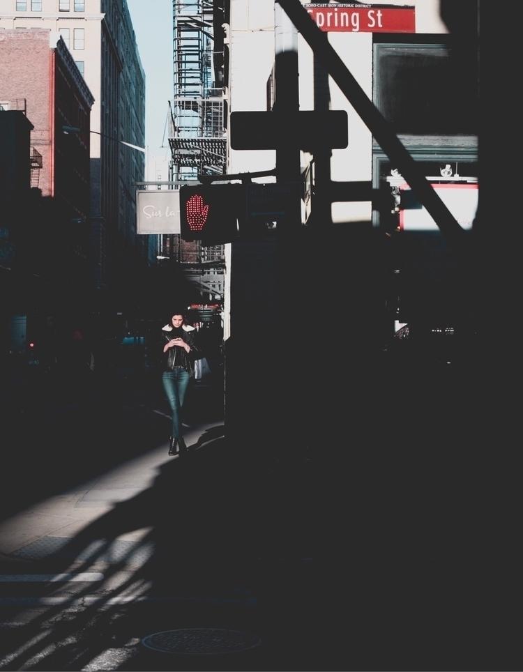 humaneffect, peopleinframe, streetphotography - chris_t_ramos   ello