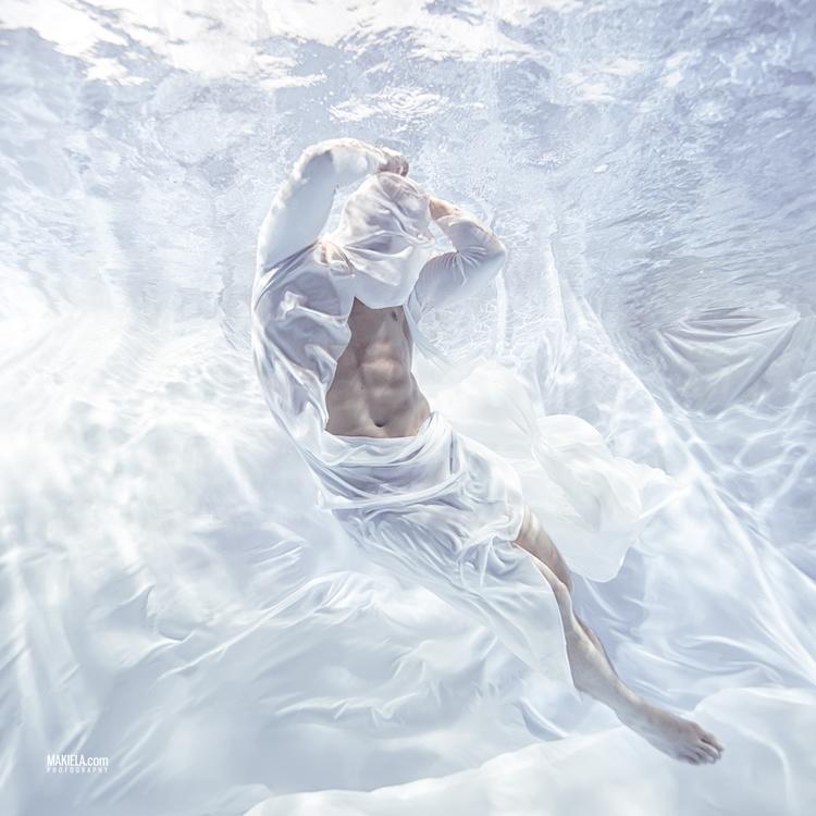 Frozen Man 2 - underwater, underwaterfineart - rafalmakiela | ello