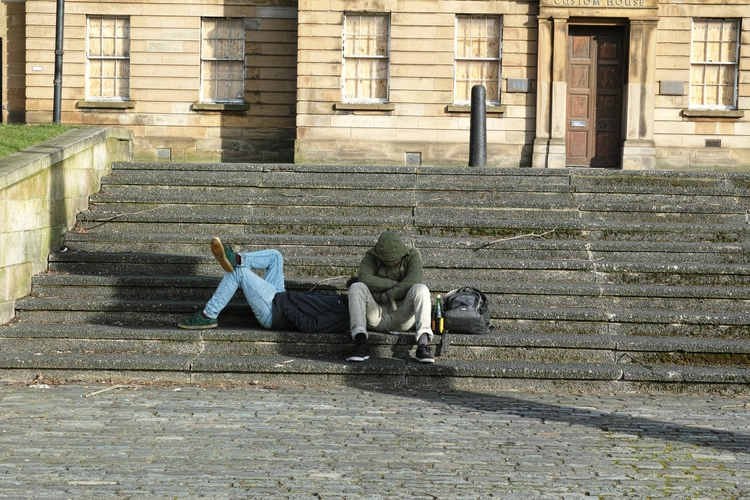 Sitting Clyde, Glasgow - yannick_glasgow | ello