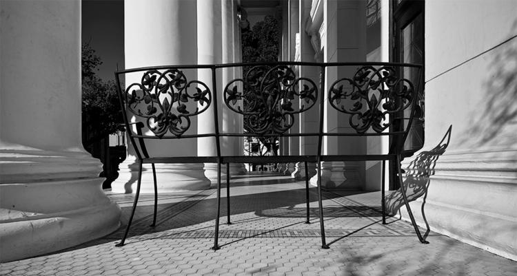 bench, church, Pasadena, Califo - frankfosterphotography | ello