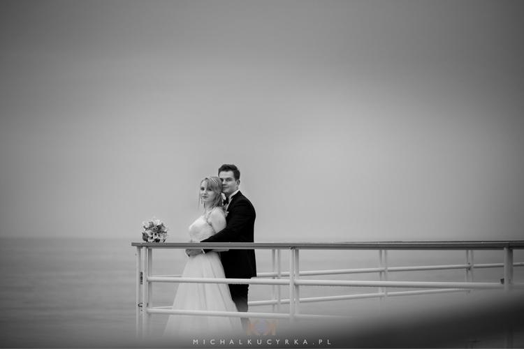 :heart:️ . ..  - portrait, wedding - michalkucyrkafotografia | ello