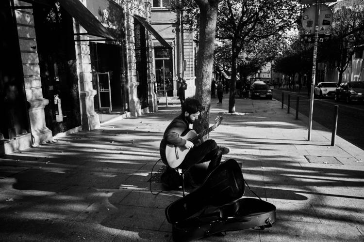 guitar, chords truth - streetphotografy_bw - amapp | ello