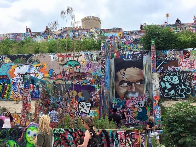 <Sniff> Demolition Graffi - renatalucia | ello