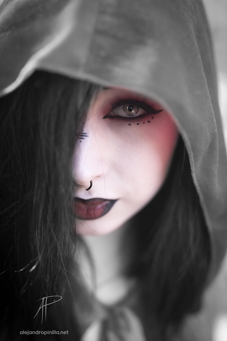 cloak hide fears model - goth, makeup - unhobbit | ello