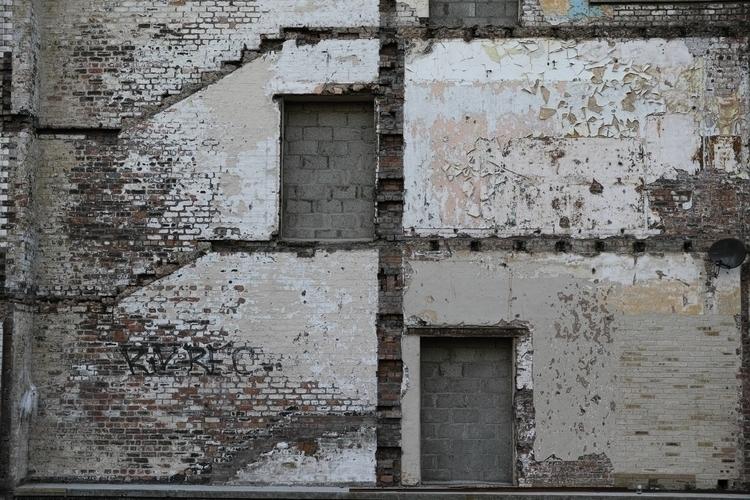 Walls, Merchant City, Glasgow,  - yannick_glasgow | ello