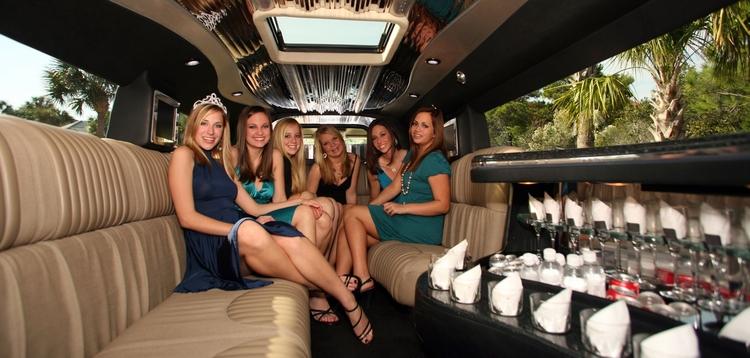 Chauffeur NC  - Limousine, Service - signaturetransportation | ello