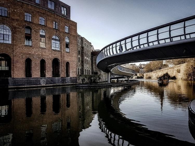 Castle bridge-Bristol - boldrik | ello