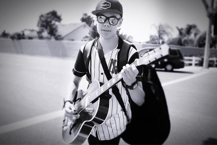 Guitar man - haleyfelton | ello