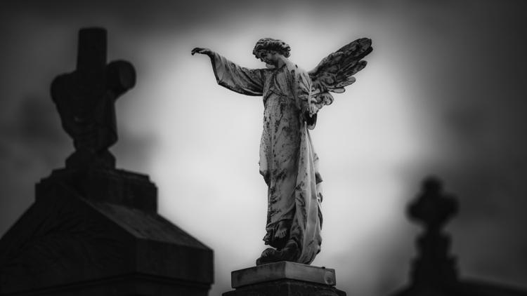 Angel sun - statue, cemetery, graveyard - ericvandael | ello
