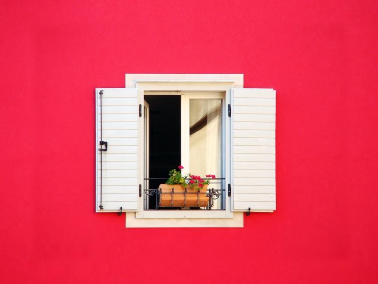 Crimson wall Submitted Design S - sergetarasyuk | ello