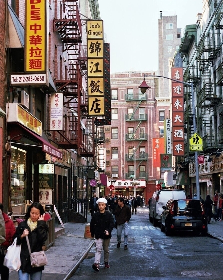 Chinatown - nyc, film - lorenzomitil | ello