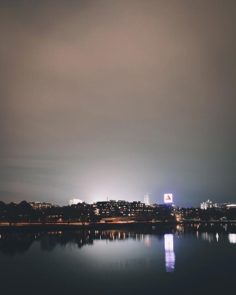 Late night vibe - jordon_halteman | ello