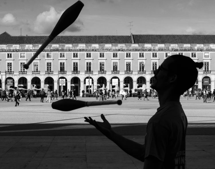 lisbon, streetphotography, architecture - gilbyvm | ello