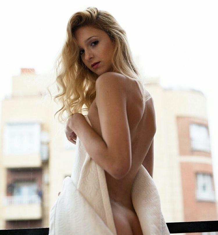 Im posts follow Instagram - model - histephs   ello