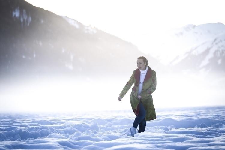 coat white noise  - winter, velvet - meganpoparda   ello