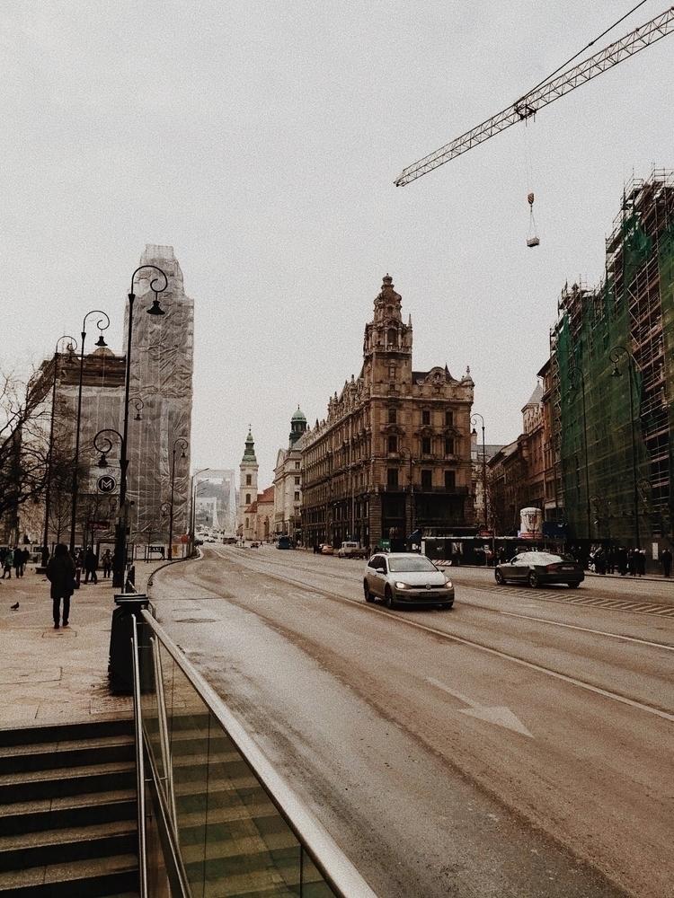 city, budapest, travel, europe - laucolombo | ello