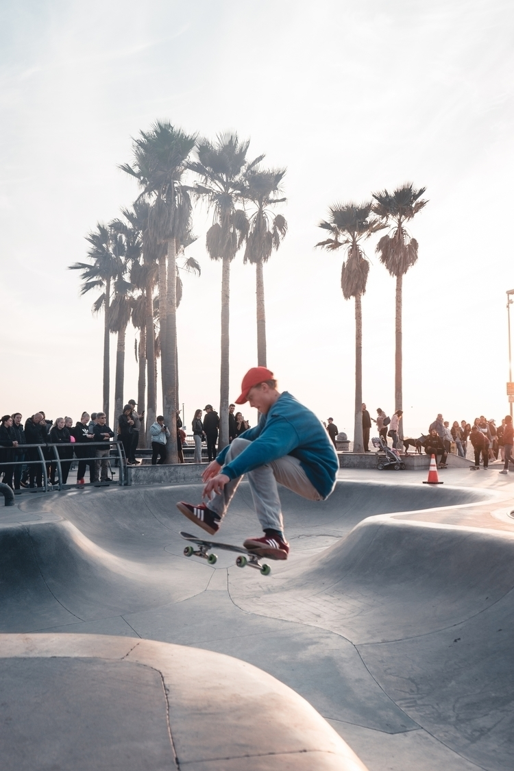 Moment venice beach - skate, skating - thejacksonpark | ello